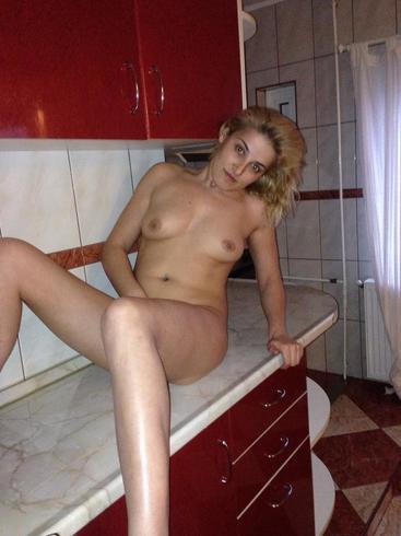 domnisoara draguta si dornica de nebunii ofer sex total